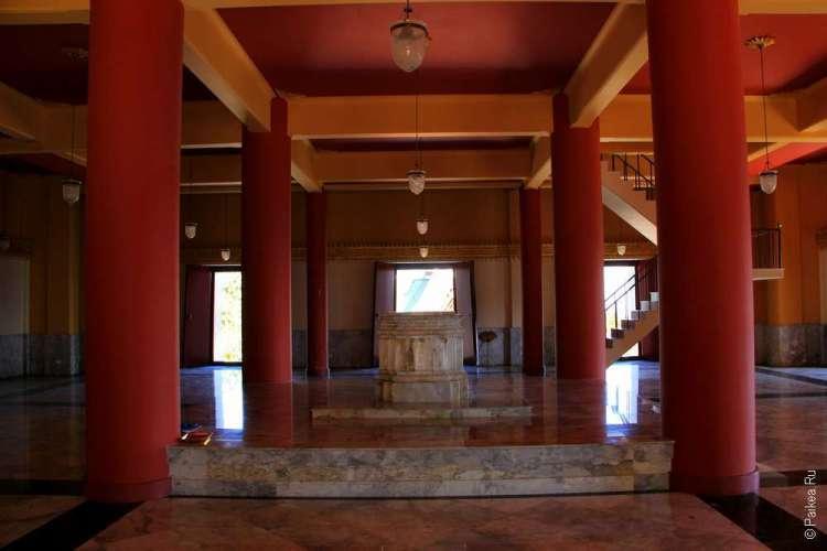 Храм в деревне Мае Салонг