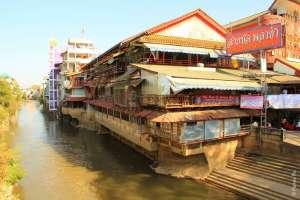 Между Таиландом и Мьянмой течет река
