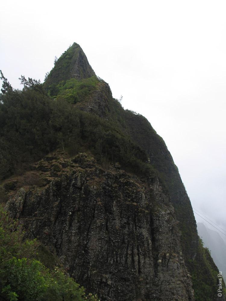 Нууану пали - утес на острове Оаху