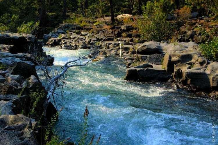 Бурные воды реки