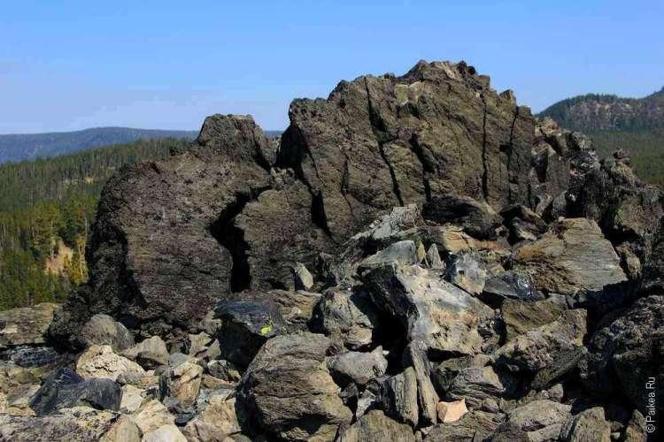 Вулканическое образование из обсидиана