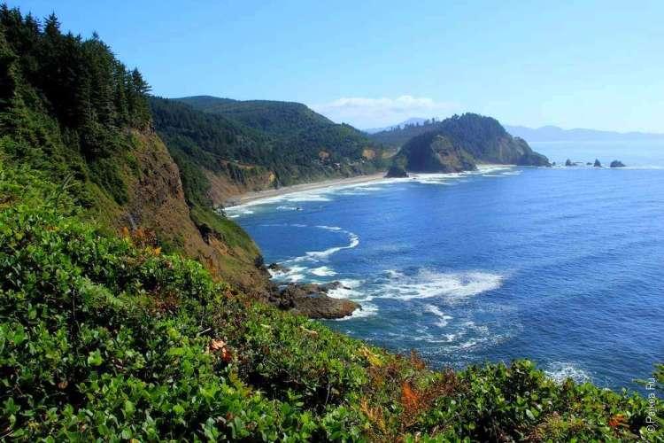 Красивый прибрежный пейзаж