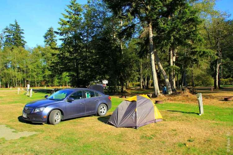 Мыс Флэттери - Палатка и машина в кемпинге