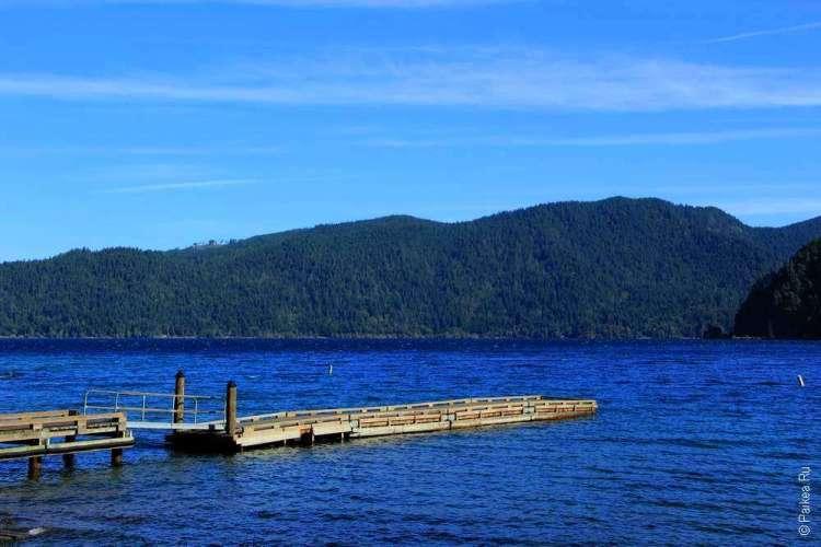Озеро Полумесяца - Деревянный причал на озере