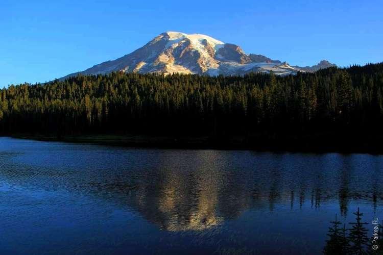 Гора Рейнир и озеро