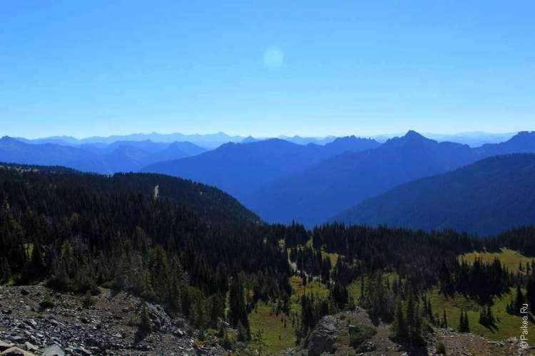 горный пейзаж в парке рейнир - пики гор