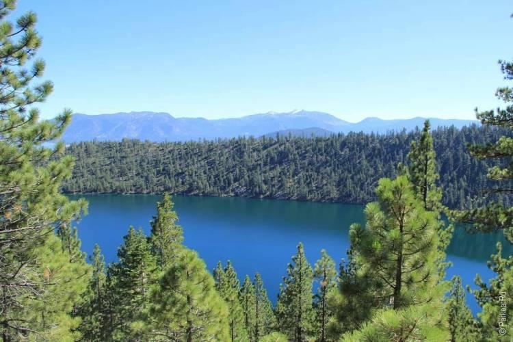 озеро тахо в горах США