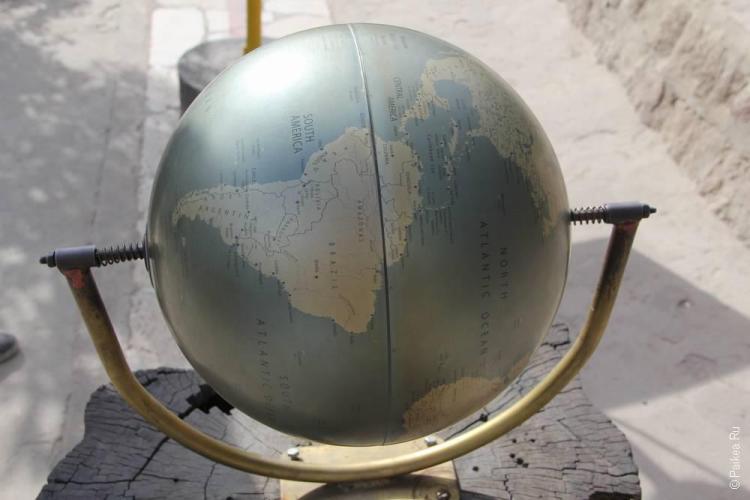 Эквадор на глобусе