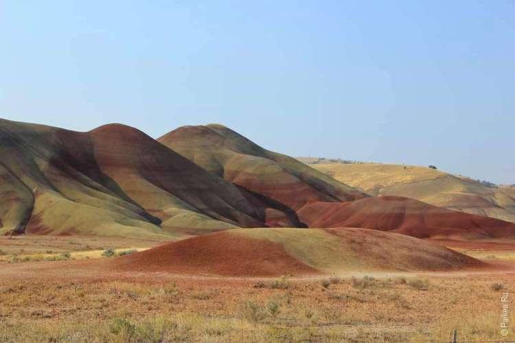 Разноцветный холм в Орегоне