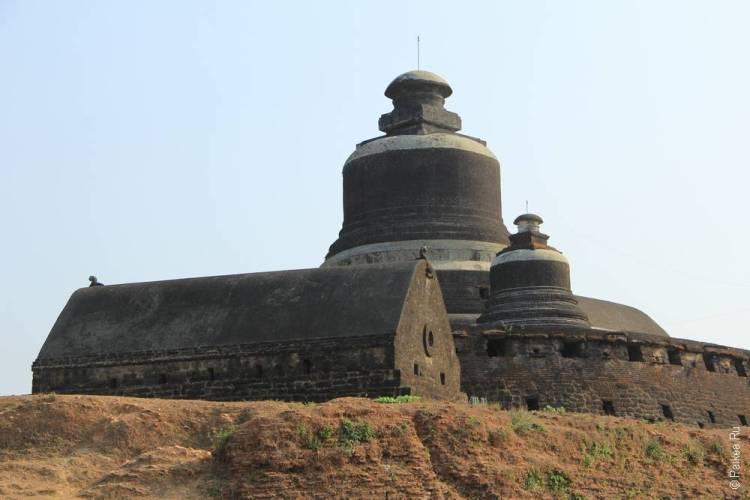 Хтуккан Тейн Пагода в Мраук-У