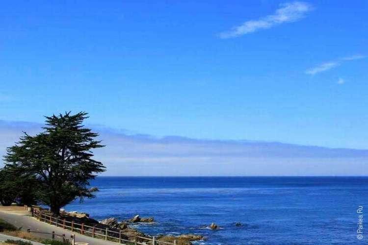 Синий океан и небо