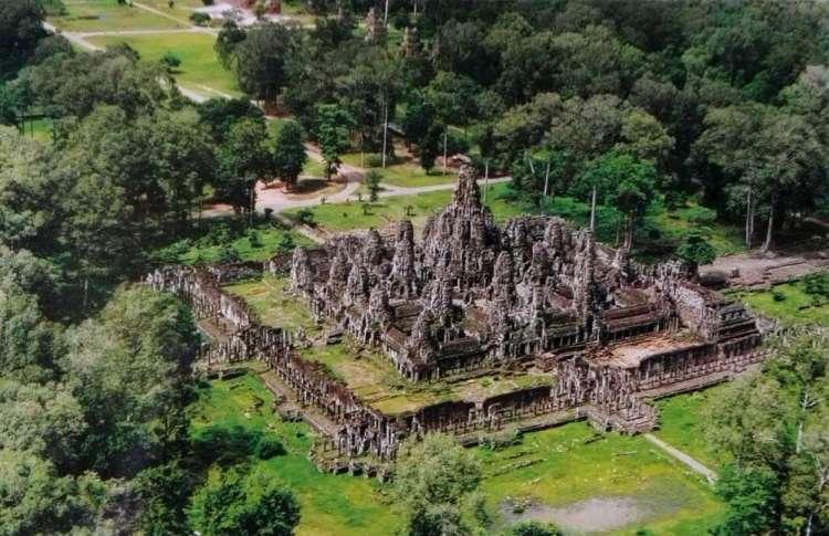 Камбоджийский храм Байон