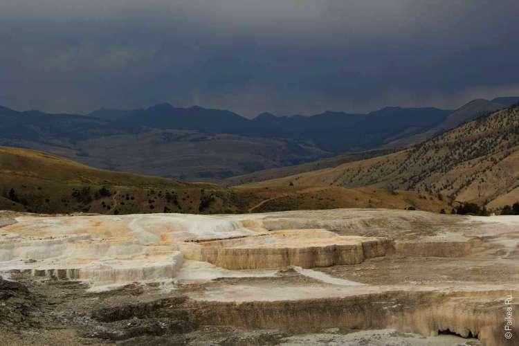 Геотермальные источники Мамонт Йеллоустоун США 09
