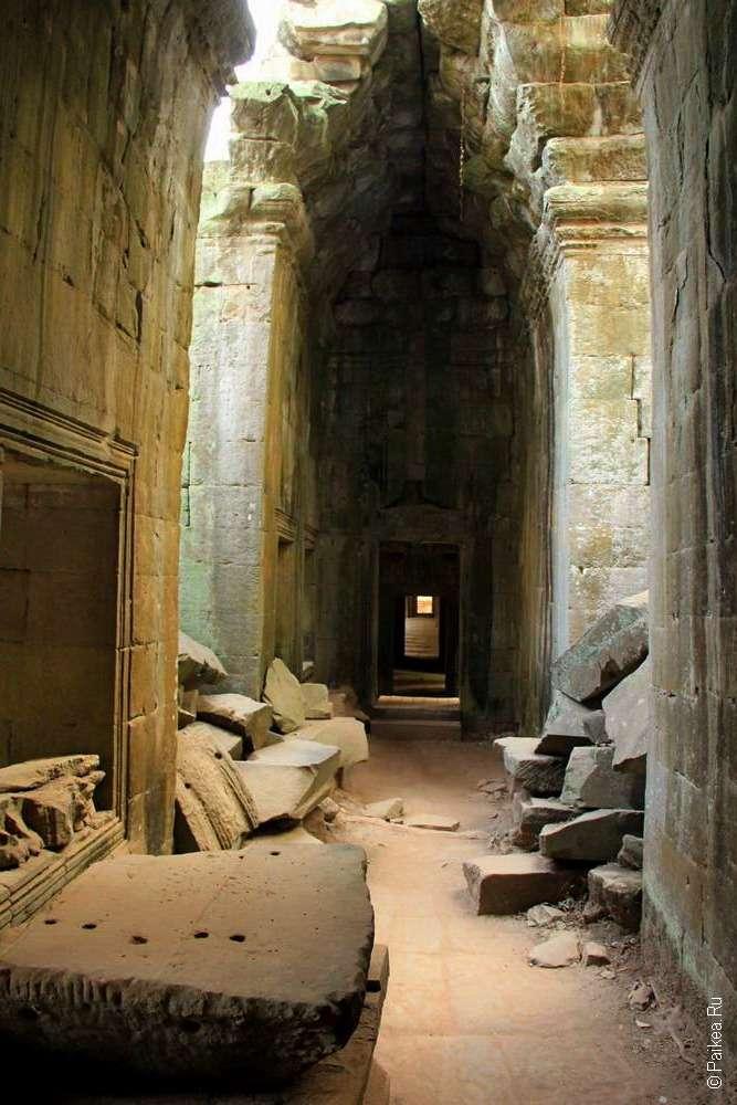 Внутри храма Та Пром