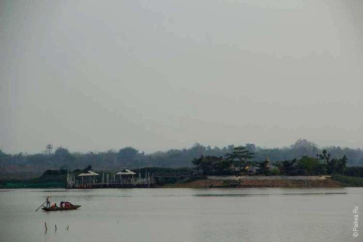 На берегу озера Пхаяу