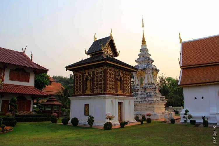 Тайский храм в Нане
