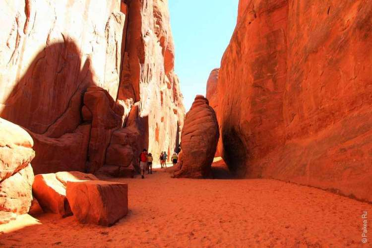 Трейл к Sand Dune Arch