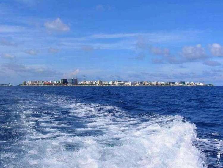 Паром из мальдивской столицы