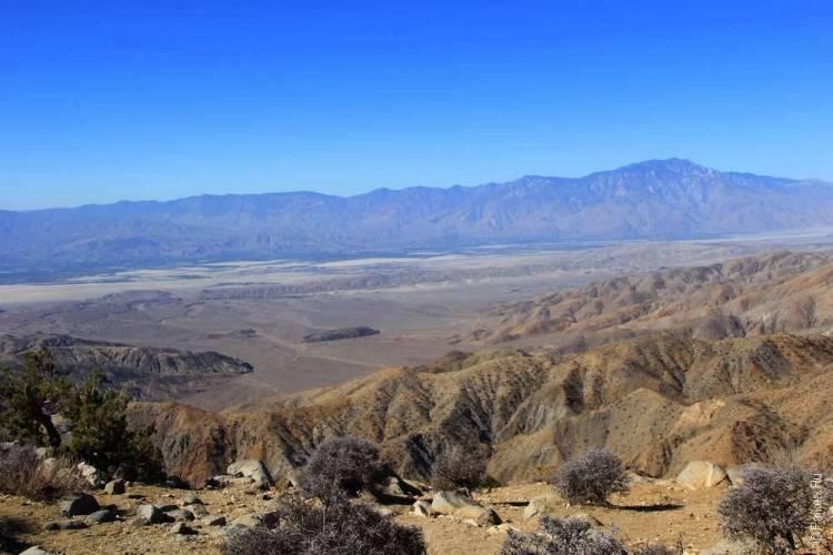 Вид из парка Джошуа Три на горы Сан-Хасинто