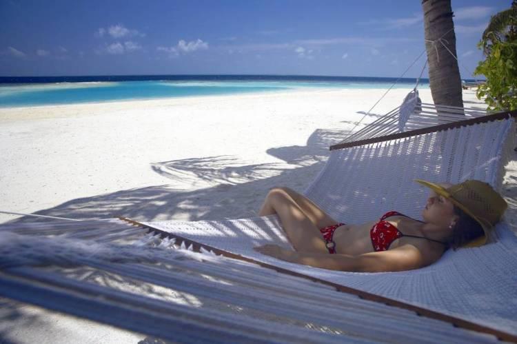 Мальдивы отель 5 звезд с хорошим пляжем и домашним рифом