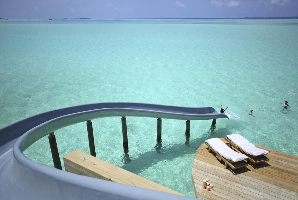 отели мальдив с водными горками 22