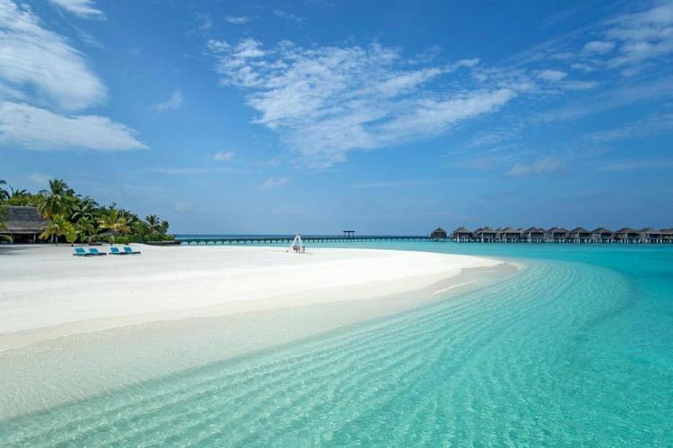 отели на мальдивах с песчаной косой constance moofushi 3