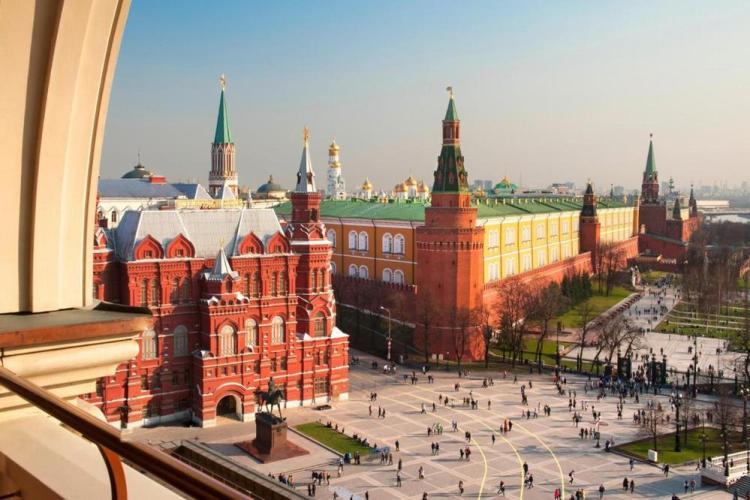 апартаменты в москве с видом на кремль