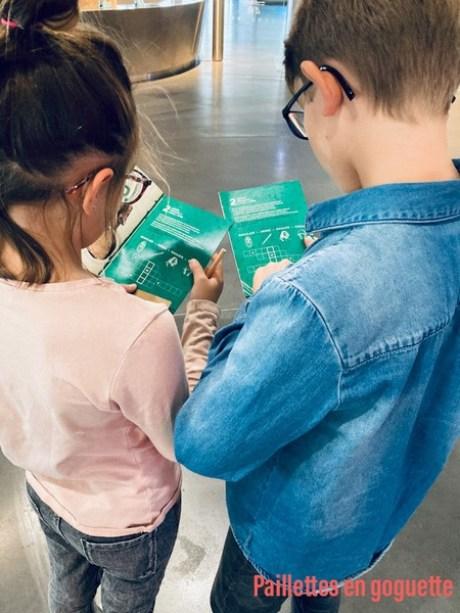 enfants au musée