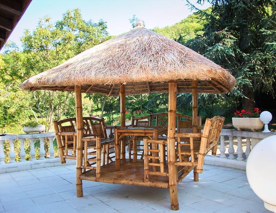 paillote de jardin en bambou des