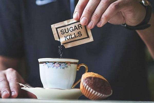 Exagerar no açúcar para adoçar café pode ser fatal
