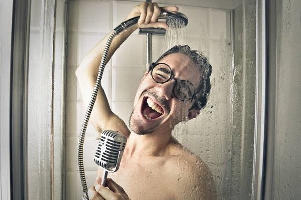 Pesquisa indica que tomar banho todos os dias pode ser prejudicial