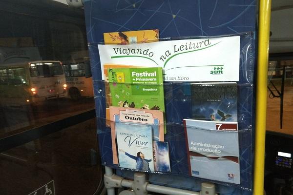 Campanha que incentiva leitura no ônibus é lançada em Porto Velho