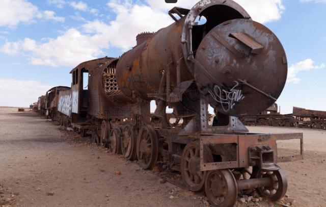 Conheça o cemitério de trens abandonados de Uyuni, na Bolívia