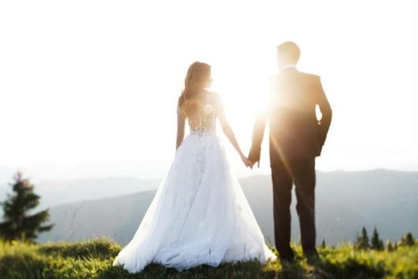 Um dia antes de casamento, casal decide se separar, mas leva cerimônia adiante