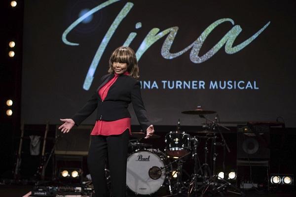 Filho mais velho da cantora Tina Turner é encontrado morto, diz site