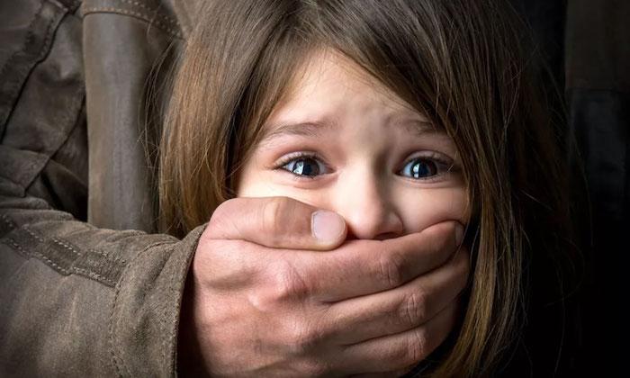 Idoso é preso após estuprar menina de 3 anos em cima de máquina de lavar, em Porto Velho