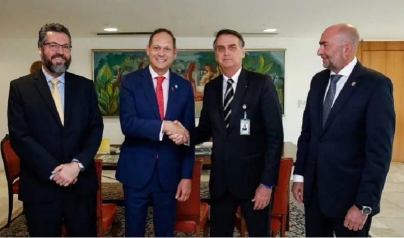 Bolsonaro promete liderar ofensiva internacional para derrubar Maduro