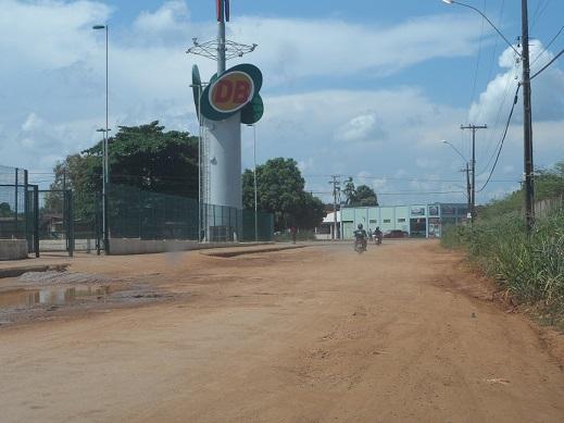 Avenida Jaturana no bairro Lagoa está intransitável