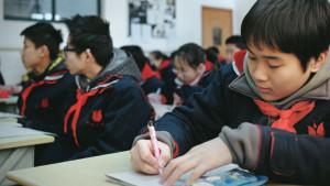 Escolas chinesas desestimulam namoro para manter 'foco'
