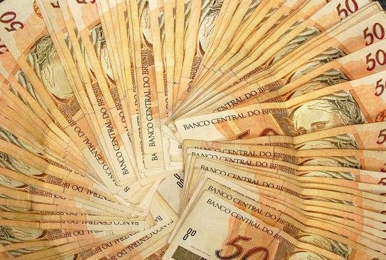 Funcionária demitida terá que pagar R$ 80 mil a empresa
