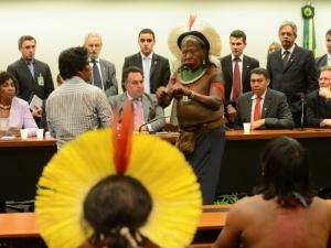 Indígenas pedem arquivamento de PEC 215