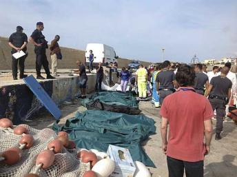 Mais um barco com imigrantes ilegais naufraga na Itália