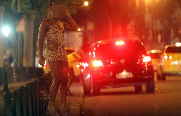 Emissora não deve indenizar homem filmado em reportagem sobre travestis
