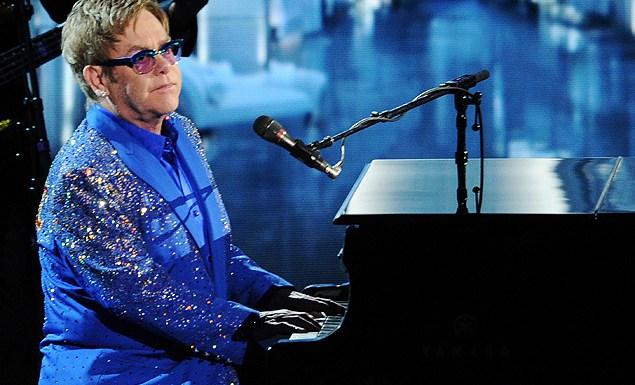 Elton John diz 'sentir pena' de participantes de reality shows musicais