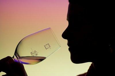 beber-vinho-mulher