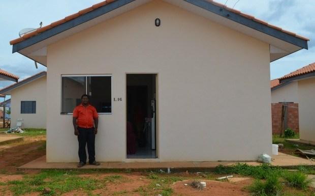 Família invade casa popular em conjunto habitacional de Vilhena