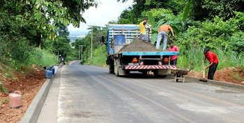 Pavimentação do Morro Chico Mendes está quase concluída