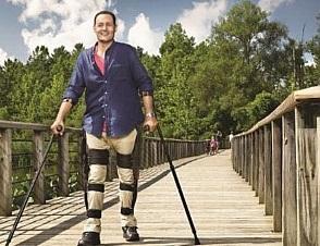 Criado um aparelho que auxilia a pessoa com deficiência volte a andar