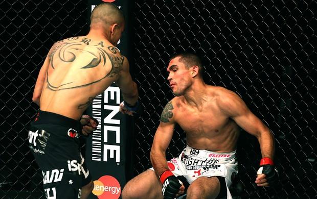 Ulysses Gomez desmaia durante a perda de peso, e duelo é cancelado