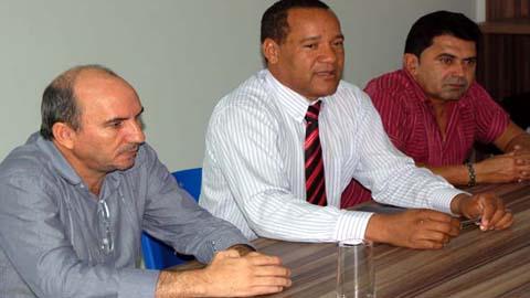 Francisco Pinheiro tenta ocupar a força o Sindsaúde e ameaça o diretor da instituição